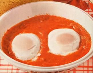 Uova in camicia al pomodoro